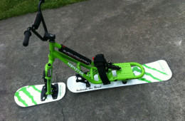 SNOWSCOOT MONSTER ENERGY