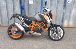 KTM 690 DUKE READY TO RACE